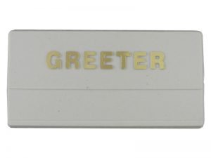 BADGE GREETER WHITE PLASTIC / GOLD LETTERS PK24